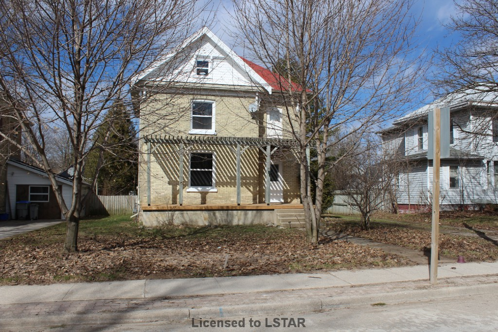 88 KING ST, Hensall Ontario, Canada